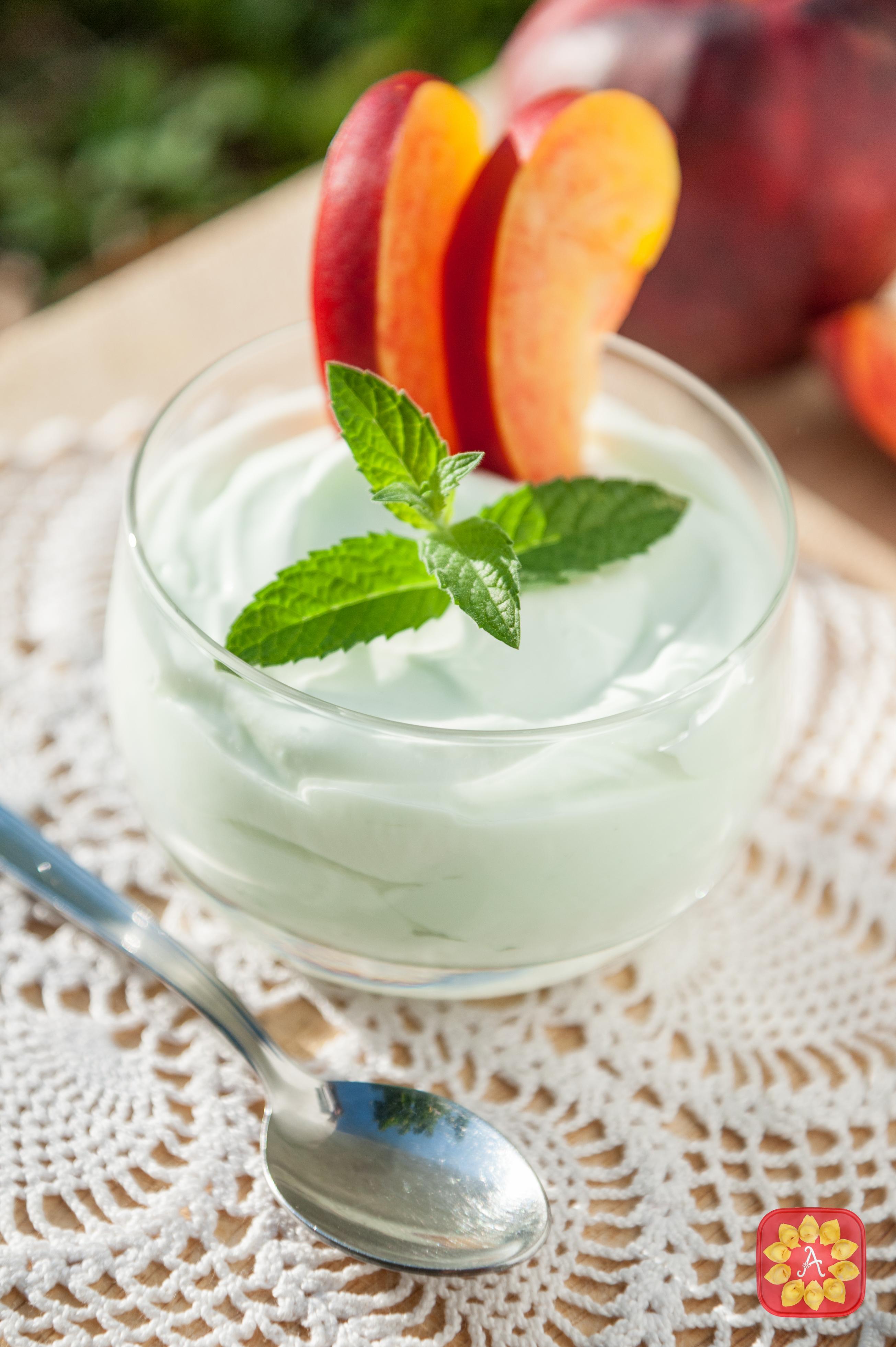 Mousse yogurt alla menta